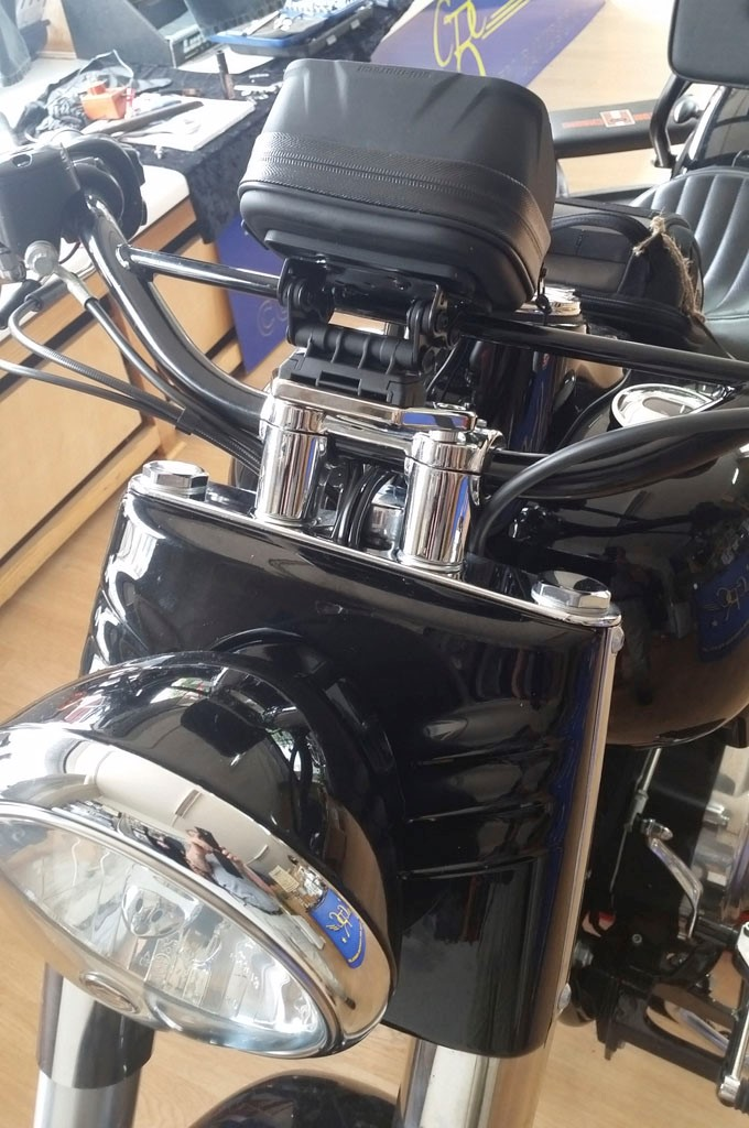 Harley Softail Slim >> CRC-CUSTOM-PARTS. Navi Halter für H-D Softail, Dyna ...
